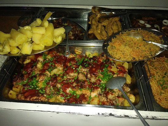 Sao Miguel Do Araguaia: Gastronomia tipica regional, restaurante aberto ao publico.