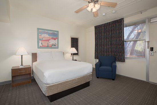 Pictures of IHG Army Hotels Main Complex Buildings - Fort Huachuca Photos - Tripadvisor
