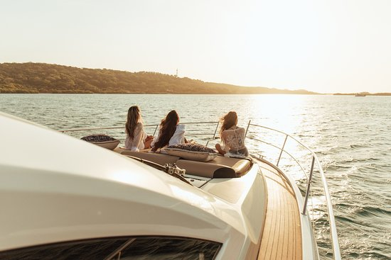 A` Mar Yachting Experiences