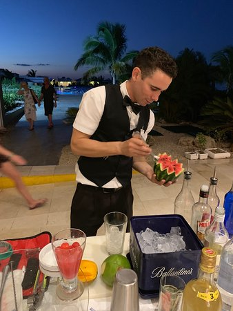 Iberostar Selection Playa Pilar: Dariel will delight you with his selection of unique drinks!