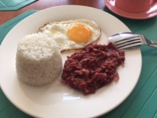朝食(ライス・卵・コンビーフ)