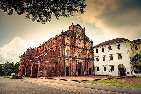 Full-Day Goa Churches Spice...