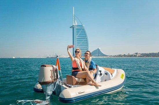 Tour in barca self-drive a Dubai