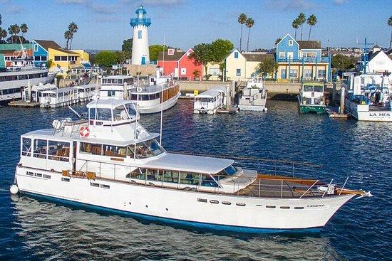 豪华70英尺汽艇游艇上的马里布海岸日落游轮 -  4小时私人包机