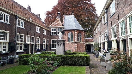 Sint Anna Hofje (Sint Anna Aalmoeshuis)