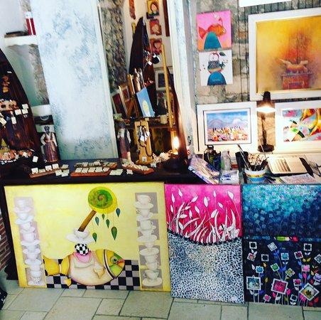 Arta Larga Gallery