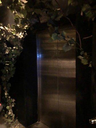 バンコクの隠れ家的なバー