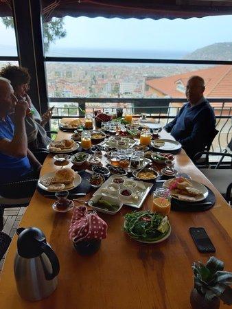 Turkish serpme kahvalti