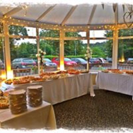 Can accommodate weddings & special occasions