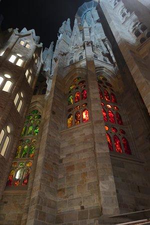 Eintrittskarte mit Audioguide: Basilika La Sagrada Familia: Holy Thursday