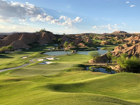 Stunning course and integration of the landscape. Challenging holes with breathtaking views. Each hole surpasses the previous one