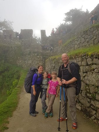 Andean Spirit Adventure: Family from USA arriving MACCHUPICCHU after Inca Trail, www.andeanspiritadventure.com