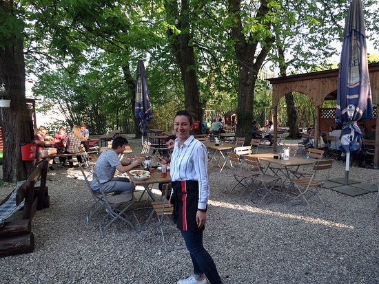 Kastanien Biergarten Picture Of Gasthof Zum Barenkeller Augsburg Tripadvisor