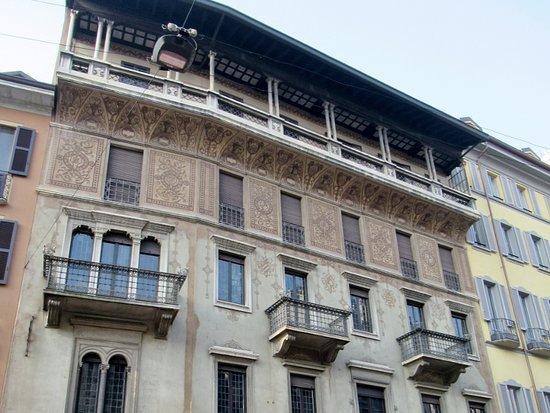 Palazzo Via Pantano 28