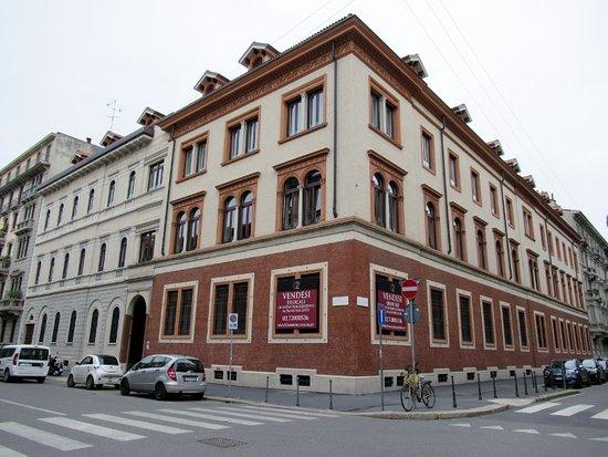 Palazzo di Via Petrarca 20