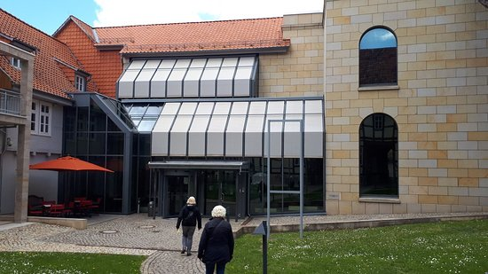 Quedlinburg, Germania: Art Museum of Avantgarde and of the master Bauhaus teacher Feininger. Privat Collection of L. Feininger with printing objects, fotos and mor