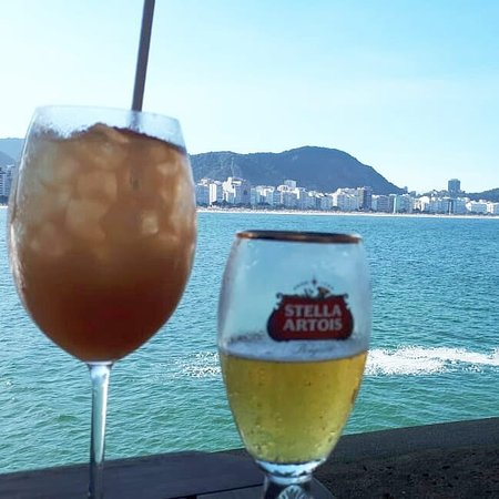 Forte de Copacabana: Um drink no fim da tarde do CAFE 18 DO FORTE