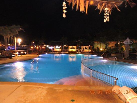 Poonsiri Resort Aonang: Poolview