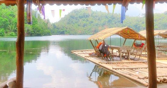 Lake Pandin: Pandin lake. Waiting