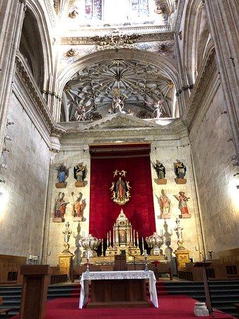 聖母の被昇天と天使