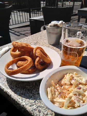 Onions Rings et coleslaw