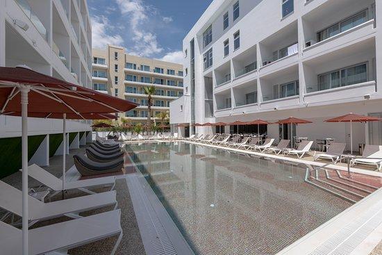 Kokkinos Boutique Hotel: Pool Area