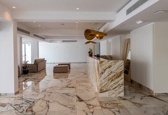 Kokkinos Boutique Hotel: Reception Area