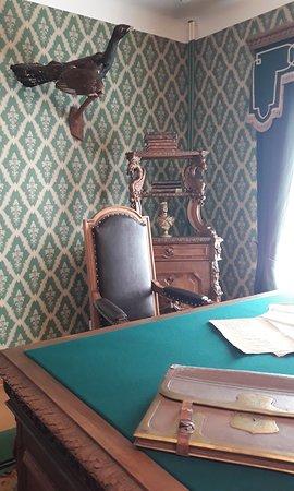 Nekrasov House Museum: кресло за рабочим столом
