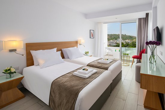 Kokkinos Boutique Hotel: Standard Room - Land View
