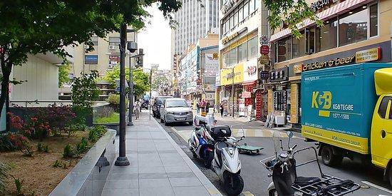 Gwanghuidong Central Asia Street: street