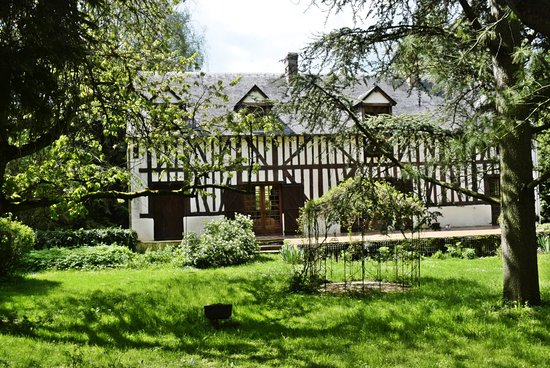 Aubry-le-Panthou, Fransa: A traditional Normandy house,with 5 bedrooms, available as a gite/holiday rental or by room.