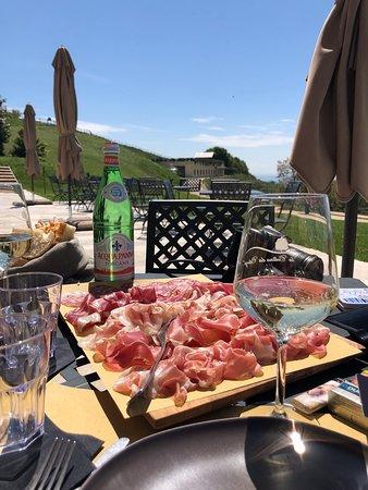 Proscutto, bread and wine
