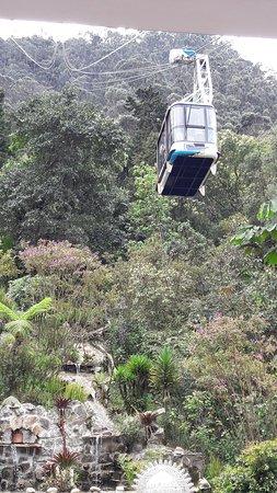 Teleferico de Monserrate: Teleférico subiendo