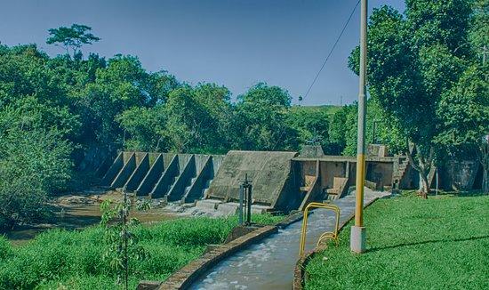 Barragem situada antes da cachoeira de São Valentim