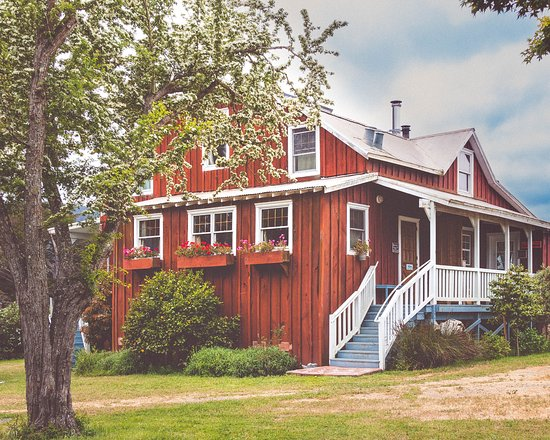 Farmer's Parlor: Cozy nights with your wood burning stove...we provide everything you need to make your fire - Picture of Olema Cottages, Olema - Tripadvisor