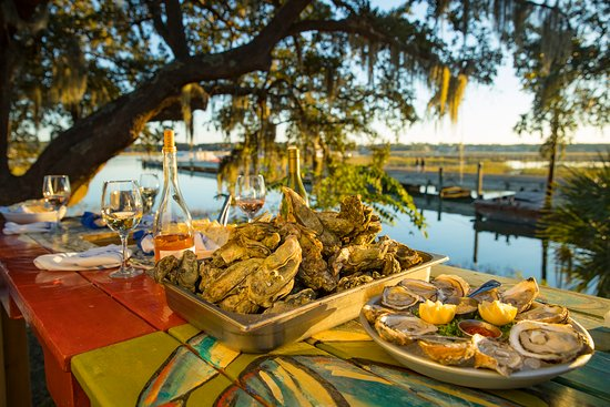 What happens when you combine the freshest seafood with a little Lowcountry flair? The recipe for an unforgettable dining experience. Discover these Island favorites and discover and unforgettable Hilton Head Island dining experience.