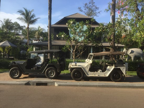 Jeep Adventure in Angkor