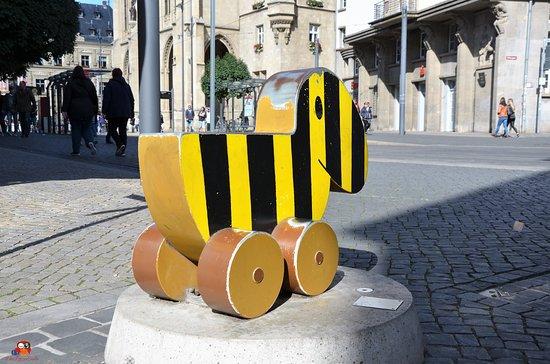 """Skulptur """"Tigerente"""""""