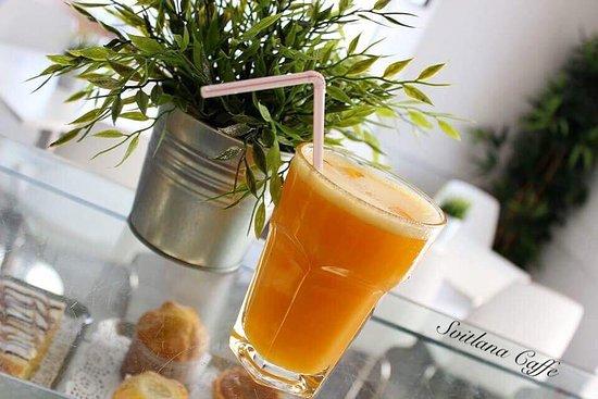 Fresh orange juice 🍹