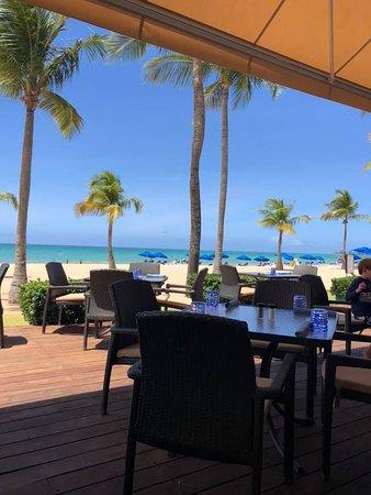 Wonderful hotel near airport and on beach