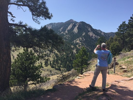 Looking for an elevated experience or exclusive walking tour in Boulder Colorado? Boulder Party Tours has you covered.