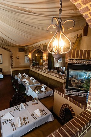 Pars Cuisine: Traditional room