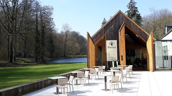 A beautiful terrace in the Sonian forest just 5 minutes away from busy Brussels...