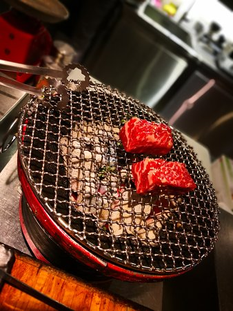 Guyuetong Barbecue Restaurant: 古月同燒肉夜食