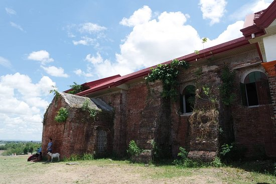 Iguig CalvaIguig Calvary Hills & Parish of St. James the Greater: exterior of the church