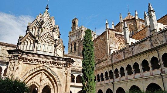 サンタ マリア デ グアダルーペ王立修道院