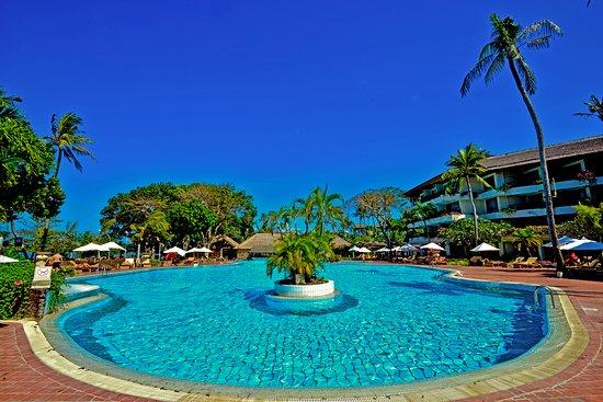 ホテル サヌール ビーチ
