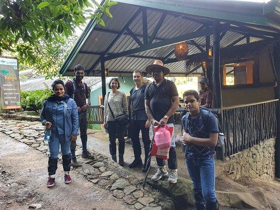 Deniyaya, Σρι Λάνκα: Forest Edge Restaureant