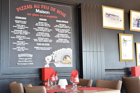 Restaurant la Grande Cote: Nous disposons d'une grande salle avec vue sur la mer pour vous accueillir