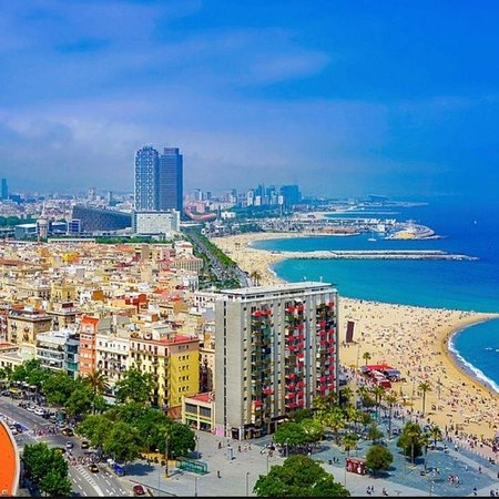 Film Experience Barcelona - personalized video experience of you around the city